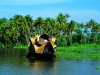 india-famous-tourist-places-kerala-houseboats-1